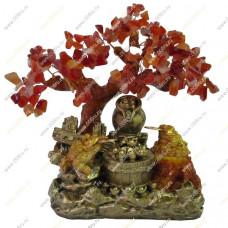 Дерево счастья с монетами слитками и двумя жабками приглашающие богатство.